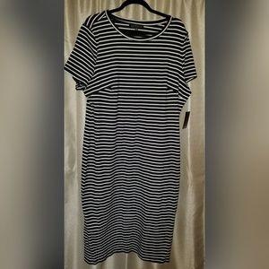 T-Shirt Plus Size Eloquii Dress..Short Sleeve  B/W